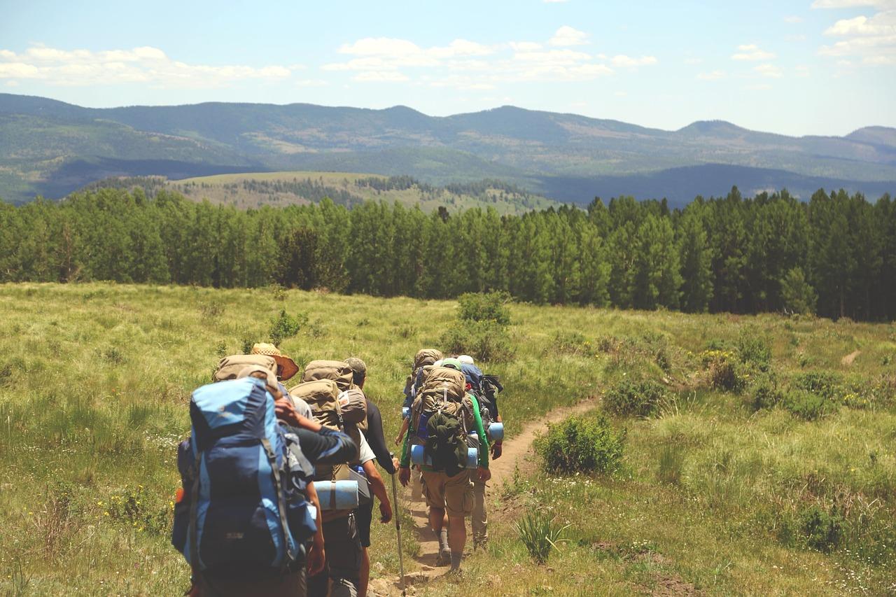 hiking-691738_1280